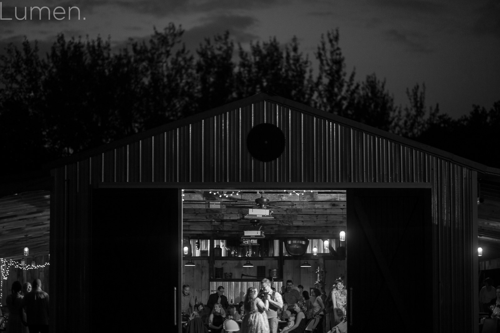 echo valley wedding photos, clear lake, wisconsin, adventurous wedding photography, lumen photography, farm wedding photos