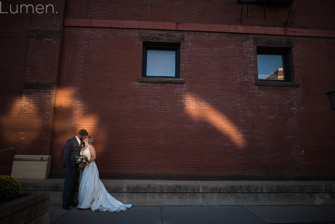 lumber exchange wedding photos, minneapolis wedding photography, adventurous, minneapolis, minnesota, northloop wedding photos, lumen, photography, julie, ben